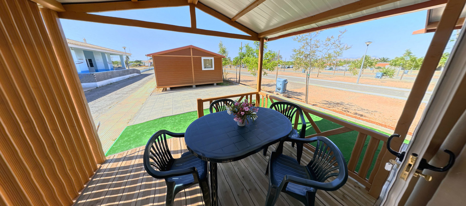 big campsite near Ria Formosa Islands with excellent bungalows